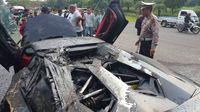 Mobil Lamborghini Raffi Ahmad terbakar di bagian belakang.