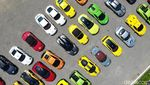 Bukan Mobil Mainan, Warna-warni Mobil Super Dilihat dari Udara
