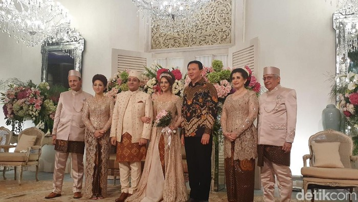 Foto: Eks Gubernur DKI Jakarta Basuki Tjahaja Purnama (Ahok) di pernikahan Tsamara Amany. (Yulida/detikcom)