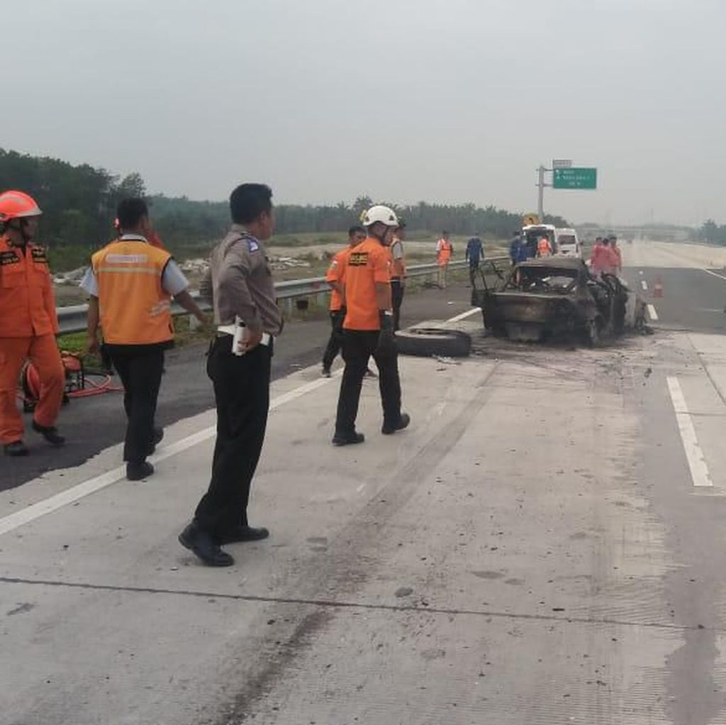 Kecelakaan Maut di Tol Lampung Diduga Akibat Pengemudi Sedan Ngantuk