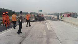 Tangis Keluarga Sambut Kedatangan Jenazah 4 Korban Kecelakaan di Tol Lampung