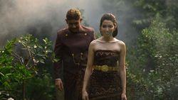 Cantiknya Della Putri Anjani Atkins, Istri Cicit Soeharto