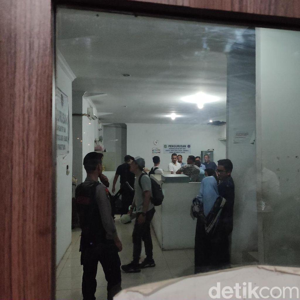 Geledah Kantor Dishub Kota Medan, KPK Angkut Tiga Koper