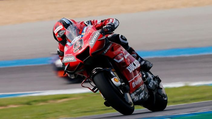 Motorcycling - MotoGP - Thailand Grand Prix - Chang International Circuit, Buriram, Thailand - October 6, 2019.  Mission Winnow Ducati Corses Danilo Petrucci in action during the race. REUTERS/Soe Zeya Tun