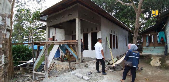 Setiap unit rumah yang mendapatkan bantuan Program BSPS di Maluku akan mendapatkan alokasi untuk peningkatan kualitas rumah sebesar Rp 17,5 juta dan pembangunan baru senilai Rp 35 juta. Pool/Kementerian PUPR.