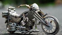 Sulap Sampah Arloji Jadi Miniatur Keren