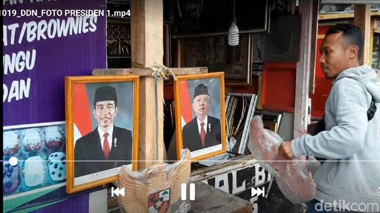 Jelang Pelantikan, Foto Jokowi-Maruf Laris Manis di Tasikmalaya