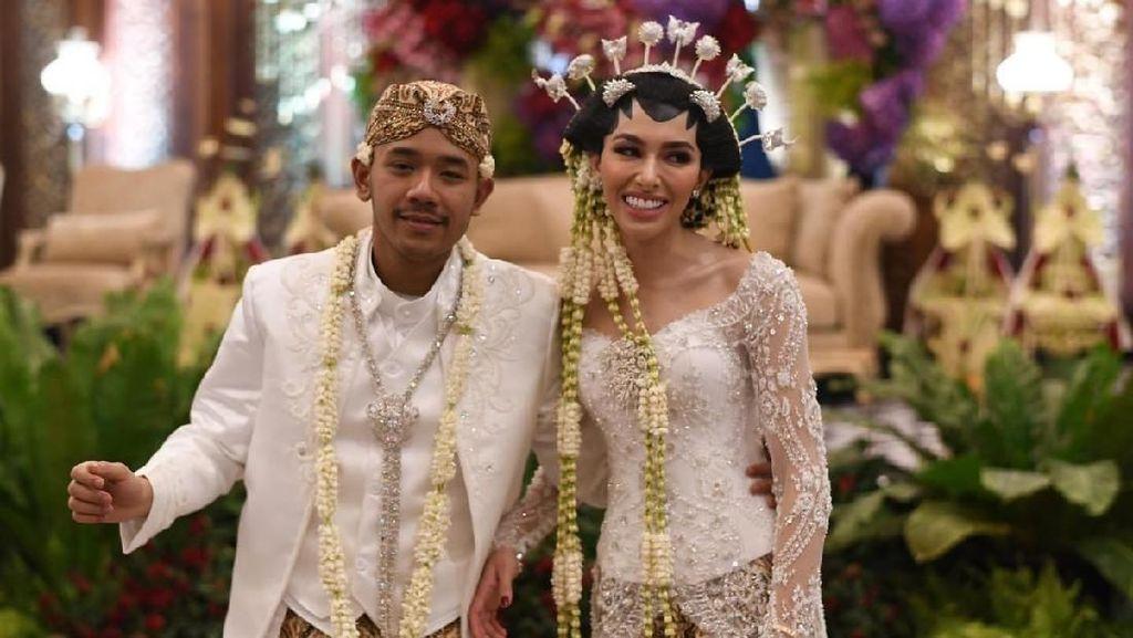 Senyum Semringah Cicit Soeharto di Resepsi Pernikahan
