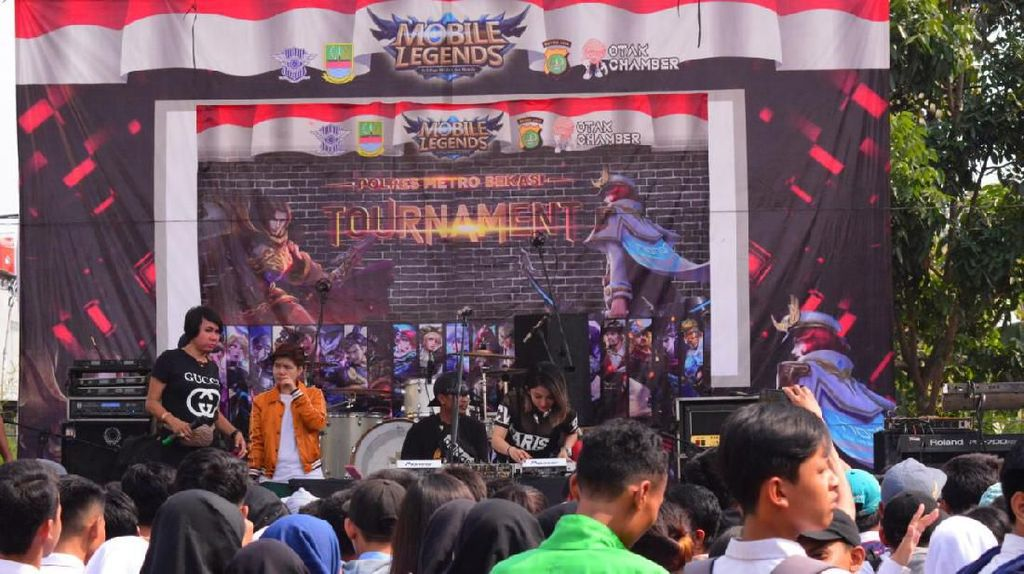 Saat Para Pelajar SMK di Bekasi Tawuran di Turnamen Mobile Legend