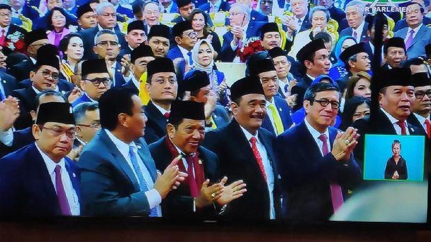 Sambutan Hangat MPR untuk JK Saat Pelantikan Jokowi-Ma'ruf