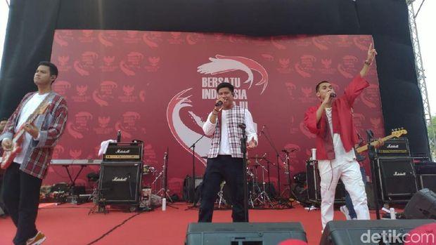 RAN di panggung perayaan pelantikan Jokowi-Ma'ruf di Patung Kuda.
