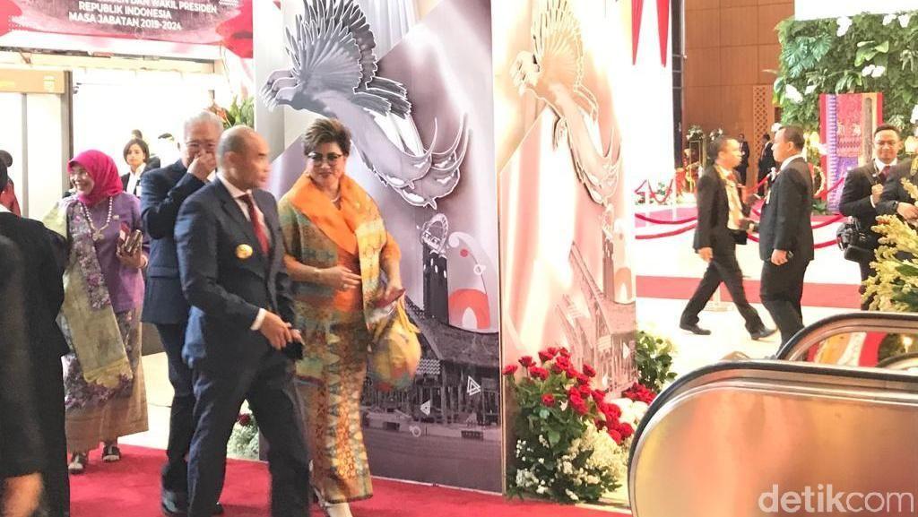 Viktor Laiskodat hingga Khofifah Hadiri Pelantikan Jokowi