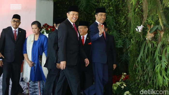 Jokowi sebelum pelantikan (Grandyos Zafna/detikcom)