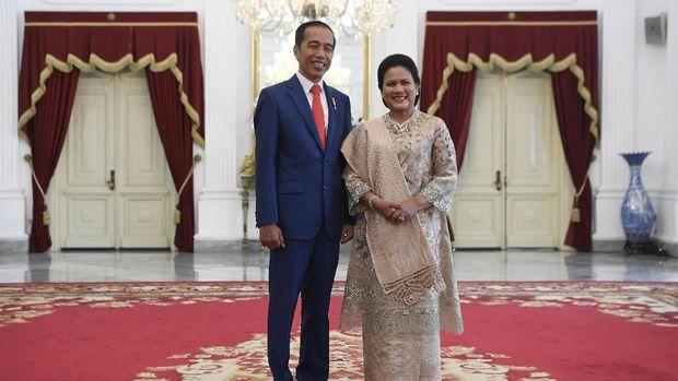 Jokowi dan Iriana jelang pelantikan presiden pada Minggu pagi