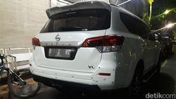 Video Ini Mobil B 1 RI Bermuatan Parang yang Diamankan Polisi