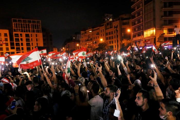 Suasana demo di Lebanon. Foto: Reuters