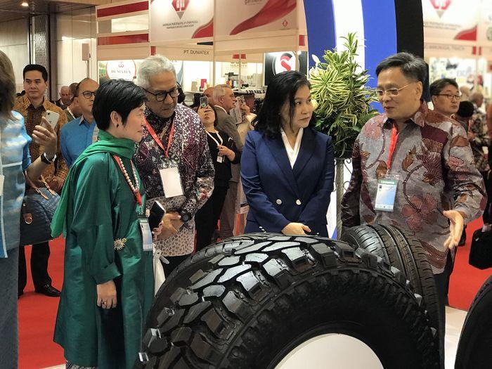 PT. Gajah Tunggal Tbk sebagai produsen ban terbesar di Asia Tenggara kembali berpartisipasi dalam pameran dagang internasional terbesar di Indonesia yang dilaksanakan di Indonesia Convention Exhibition (ICE), BSD City, Tangerang. Foto: dok. Gajah Tunggal