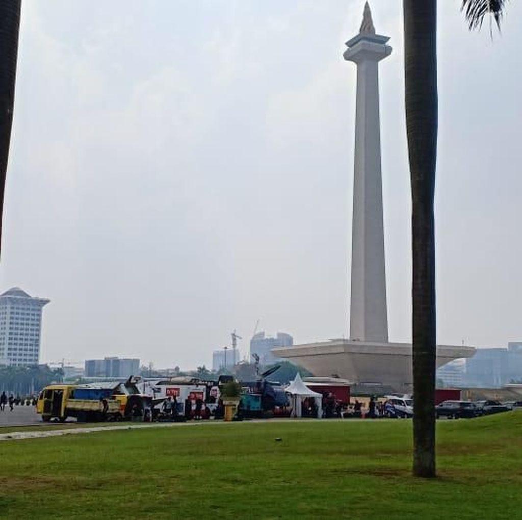 Ditutup untuk Umum, Kawasan Monas Dijaga TNI