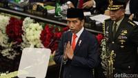 Presiden Jokowi menyampaikan pidato kenegaraan perdana sebagai Presiden periode 2019-2024. Jokowi membuka pidatonya dengan bicara soal mimpi 1 abad Indonesia.