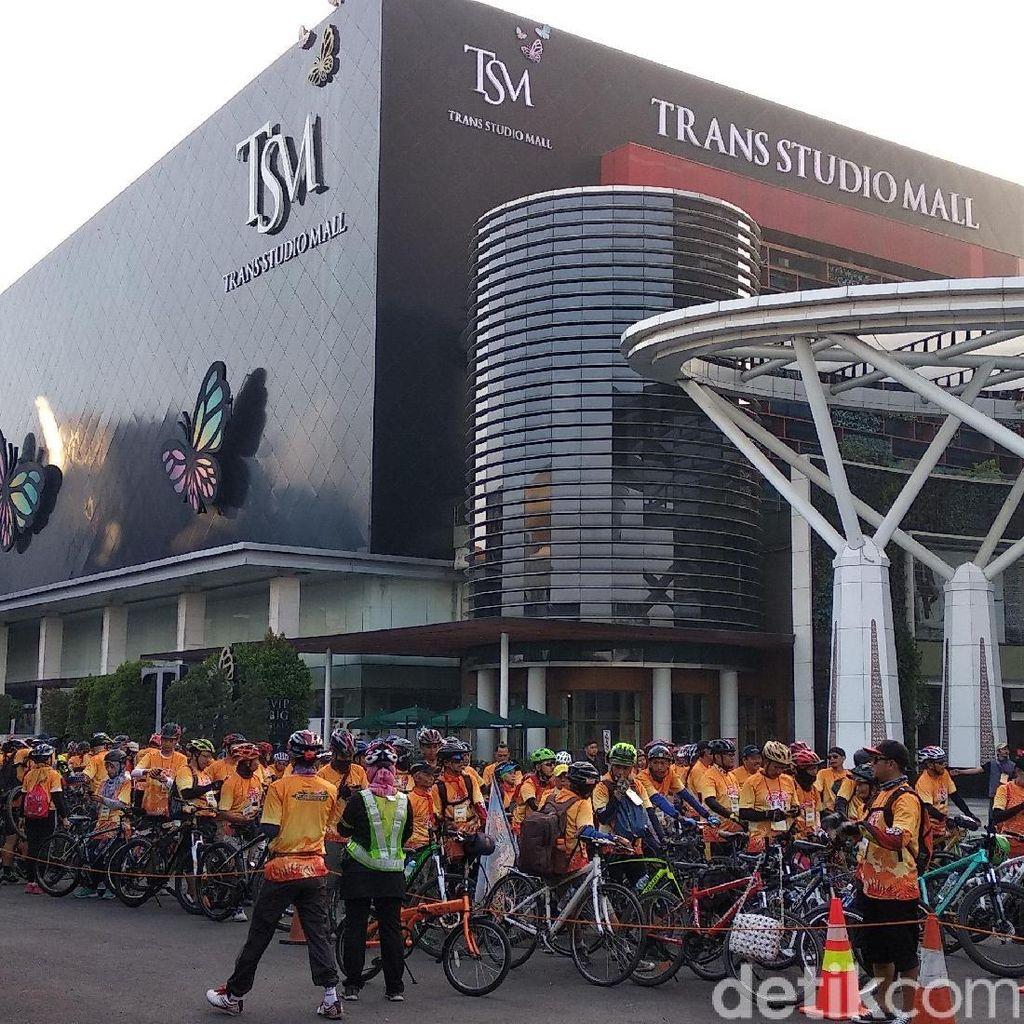 1.500 Warga Bandung Meriahkan Gowes Transmart Jamboree