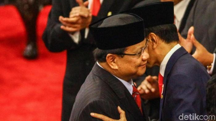 Prabowo memberi selamat ke Jokowi (Rifkianto Nugroho/detikcom)