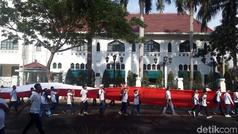 Parade Merah Putih di Surabaya, Doakan Pelantikan Presiden Lancar