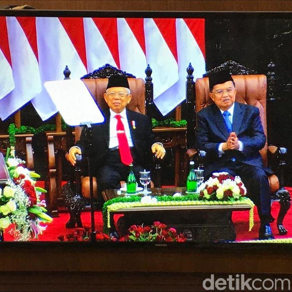 Resmi Jadi Wapres, Maruf Amin Bertukar Kursi dengan JK