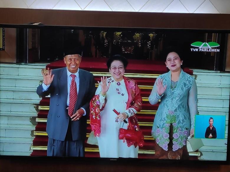 SBY-Boediono Berjalan di Belakang Megawati-Puan Menuju Pelantikan Jokowi