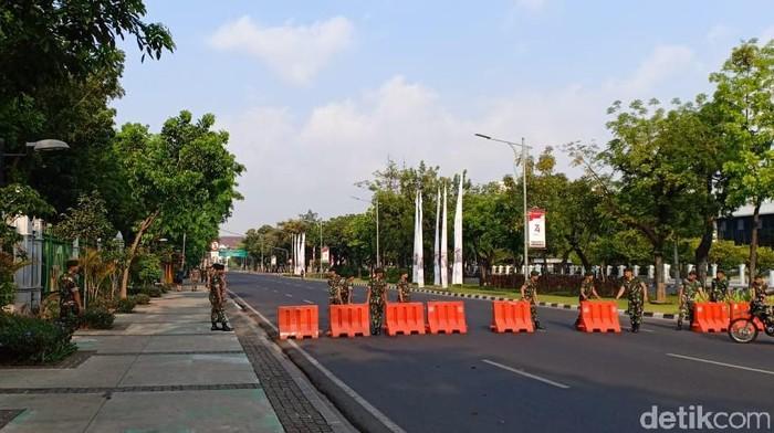 Foto: Jelang pelantikan Presiden, ruas jalan arah Istana Negara steril (Samsudhuha Wildansyah/detikcom)