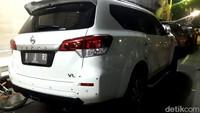 Kabid Humas Polda Metro Jaya Kombes Argo Yuwono ketika dikonfirmasi detikcom, Minggu (20/10/2019), mengatakan mobil tersebut ditemukan terparkir di lobi hotel pukul 09.20 WIB. Mobil tersebut terparkir sejak Sabtu (19/10) malam, tepatnya pukul 23.00 WIB.