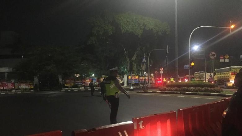 Malam Jelang Pelantikan Presiden, Lalin Depan Istana Ditutup