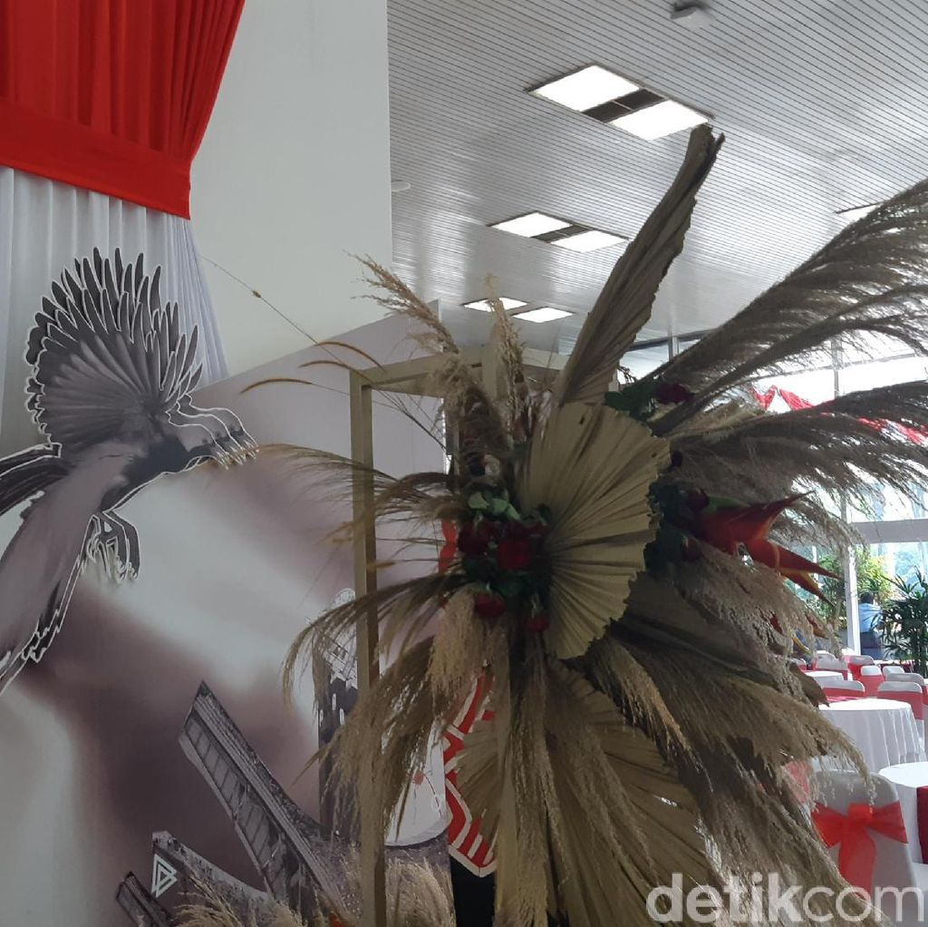 Dekorasi Khas Indonesia Timur Hiasi Lobi Gedung Nusantara III DPR