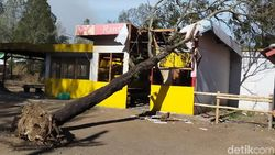Tak Hanya Kebakaran, Kawasan Kawah Ijen Juga Diterjang Badai