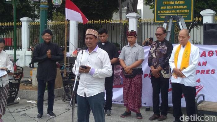 Tokoh lintas iman berdoa untuk Jokowi-Maruf yang baru saja dilantik menjadi Presiden dan Wakil Presiden RI 2019-2024. Foto: Usman Hadi/detikcom