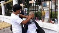 Terkait harapan untuk kepemimpinan Presiden Jokowi dan Wapres Maruf Amin, warga Kecamatan Gamping, Kabupaten Sleman ini berharap agar rakyat kecil semakin mendapat perhatian. Menurutnya, saat ini masih ada rakyat kecil yang belum mendapat kesejahteraan sebagai warga Indonesia.