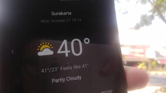 Suhu udara di Solo versi aplikasi ponsel milik warga, Senin (21/10/2019). Foto: Istimewa