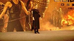 Astaga, Aktris Ini Main Sosor Brad Pitt di Gala Premier