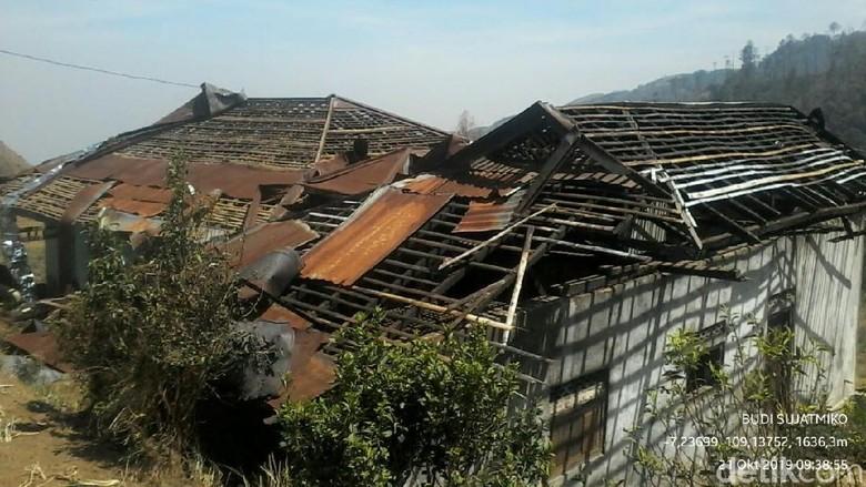 Angin Kencang Juga Terjang Brebes, Puluhan Rumah Rusak