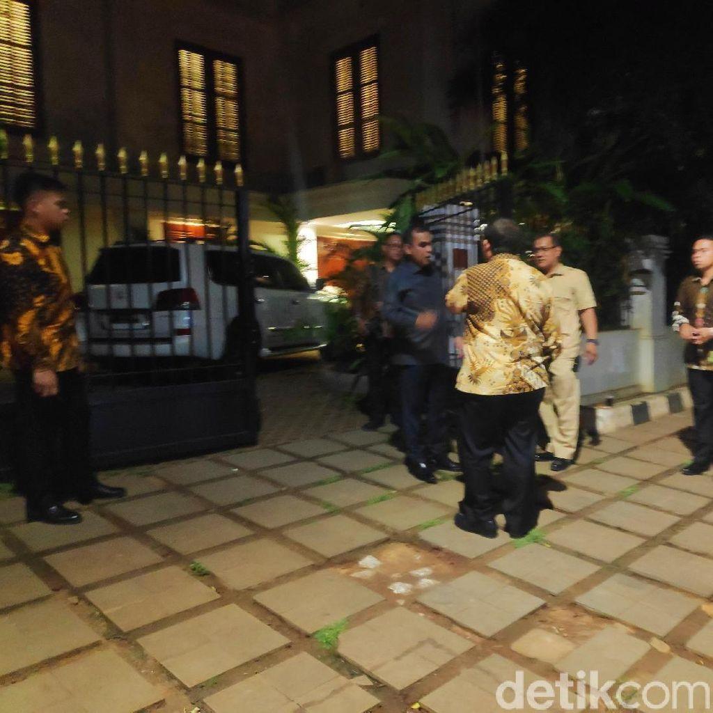 Prabowo Diminta Jadi Menhan, Elite Gerindra Kumpul di Kertanegara Malam Ini
