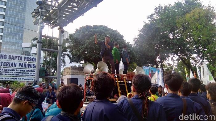 Demo Mahasiswa di Patung Kuda (Foto: Bil/detikcom)