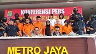 Klenik dan Ide Lepas Monyet untuk Gagalkan Pelantikan Presiden Jokowi
