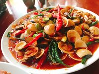 Bikin Laper! Makan Bakso Rusuk, Seafood, Nasgor, hingga Bebek Enak
