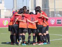 Viral Video Pemain Sepakbola Lindungi Lawan yang Hijabnya Lepas Buat Takjub
