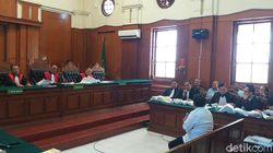 Saksi Perizinan Kasus Amblesnya Jalan Gubeng Dianggap Ringankan Terdakwa