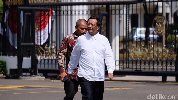 Mahfud Md tiba di Istana pada bulan Oktober 2019 jelang pengumuman kabinet (Foto: Andhika Prasetia/detikcom)