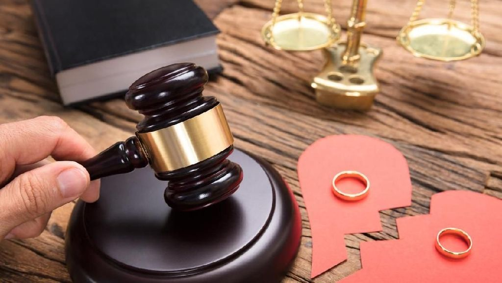 Saat Irlandia Sahkan Perceraian Pertama