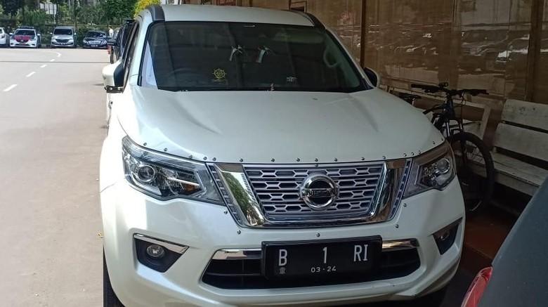 Pemilik Mobil B 1 RI yang Halangi Tamu Pelantikan Ditahan Polisi