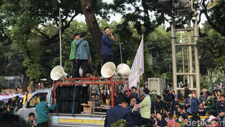 Kritik Jokowi, Dema UIN: Kami Tak Pakai Baju Putih, Datang Bukan untuk Jabatan