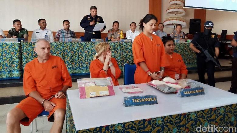 Selundupkan Sabu di Celana Dalam, 2 WN Thailand Ditangkap di Bali