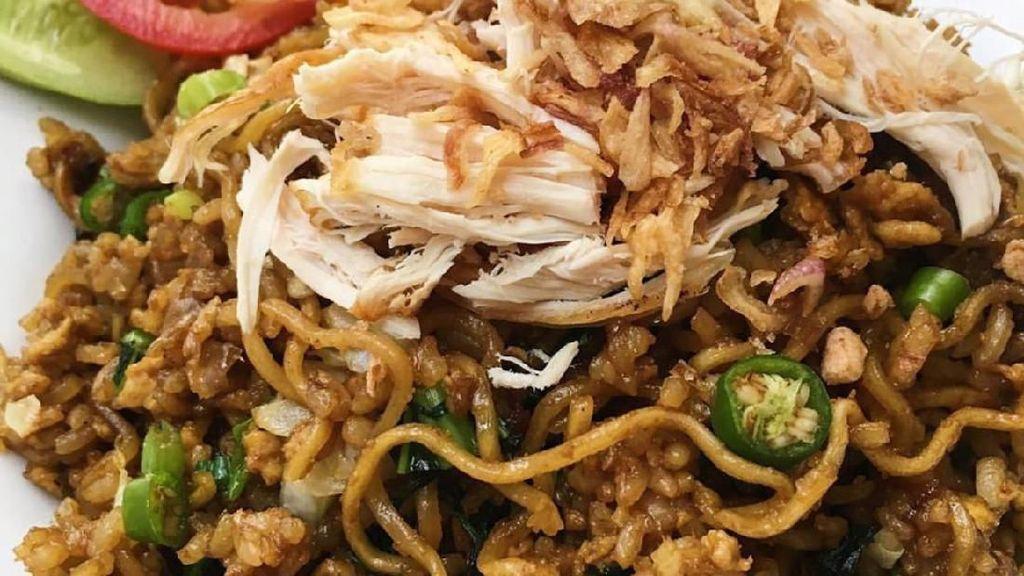 Cara Membuat Mina, Mie Campur Nasi yang Enak Buat Sarapan